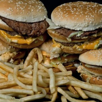 Recommended fat intake should increase, Canadian researchers say