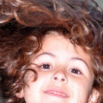 Combien a-t-on de cheveux sur la tête et combien en perd-on par jour ?