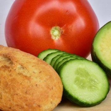 Low-carb diets associated with lower life expectancy, study suggests