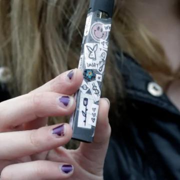 U.S. officials call teen vaping 'epidemic'