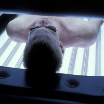 French watchdog calls for ban on tanning beds