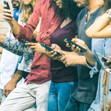Déprime, solitude, angoisses… Limiter les réseaux sociaux pour se sentir mieux