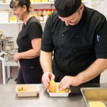 Les professionnels se distancient du «Guide alimentaire canadien» actuel