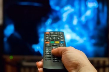 Excessive TV watching in later life damages memory, study finds