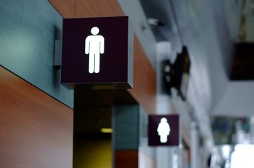 The right way to use a public bathroom (to avoid getting sick)