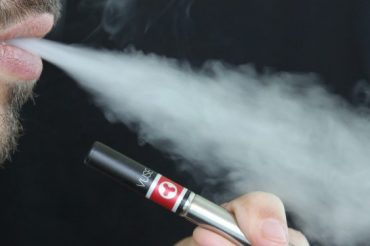 First death linked to vaping reported amid escalating illness