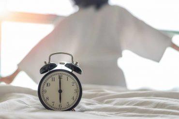 Biological clocks impact immune response efficiency