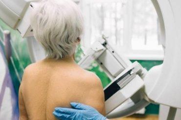 Cancer du sein : la mammographie 3D améliore le dépistage chez les plus de 65 ans