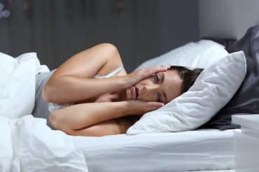 No bread in bed: study suggests refined carbs can trigger insomnia