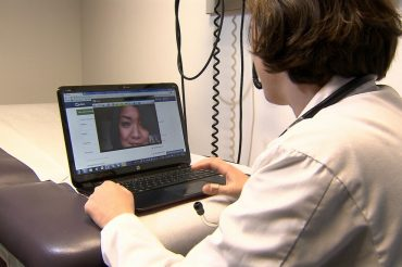 COVID-19: Quebec doctors encouraged to consult with patients by phone or virtually