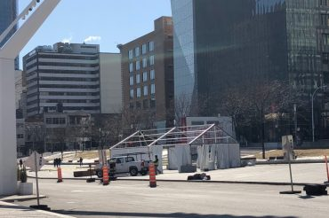 Drive-thru COVID-19 screening clinic to open at Place des Festivals in Montreal