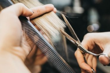 Hairstylists with COVID-19 didn't infect any clients. Face masks may be why