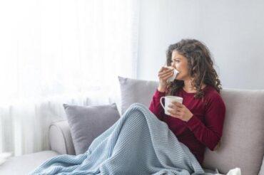 Coronavirus : l'arrivée de la grippe pourrait doubler sa transmission