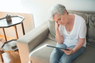 Quels types d'oublis sont les plus liés à la maladie d'Alzheimer ?