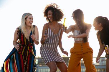 Les femmes ménopausées peuvent danser leur chemin vers une meilleure santé