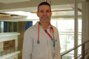 Dr. Moshe Ben-Shoshan receives 2017 Simons Award for Research